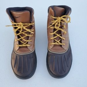 Nike Woodside ACG Duck Winter Boots Youth Size 6